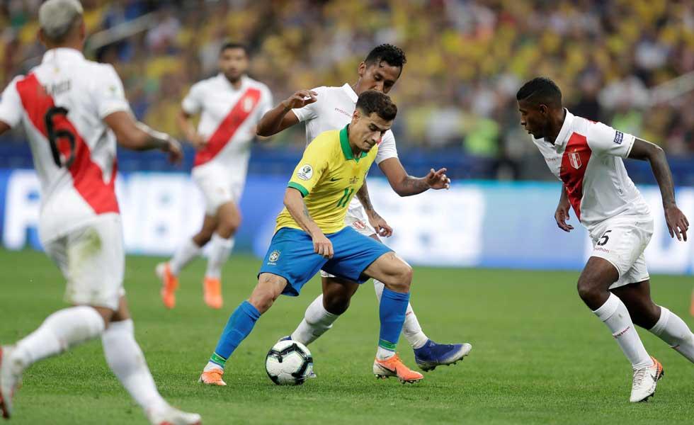 Pese a perder por 5 goles, la calculadora clasifica a Perú a cuartos