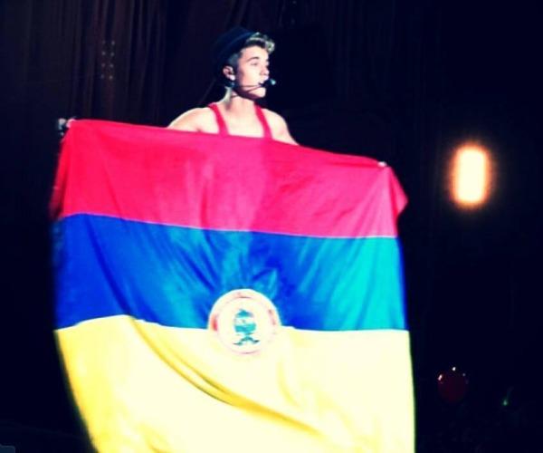 Justin Bieber Bandera de Colombia
